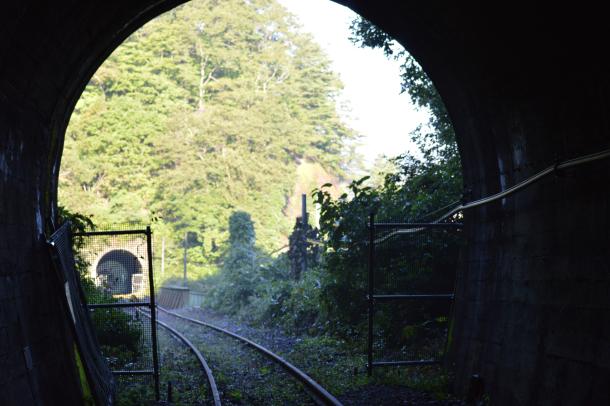 線路 トンネル 写真