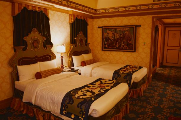 ミラコスタ ポルト・パラディーゾ・サイドスーペリアルーム ピアッツァグランドビュー 室内