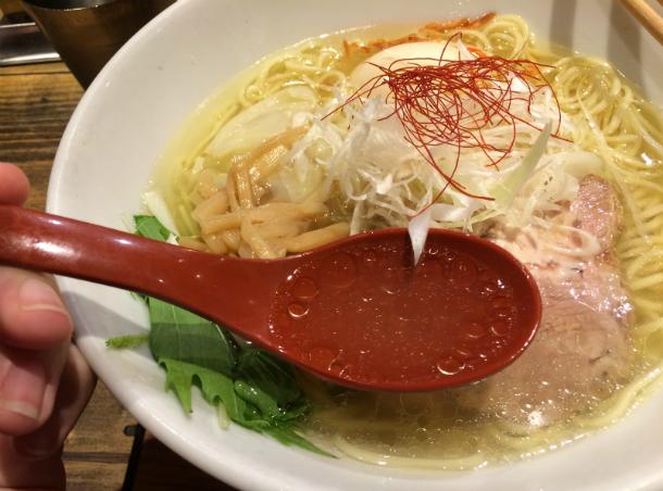 麺屋翔 特製塩ラーメン 鶏だしスープ