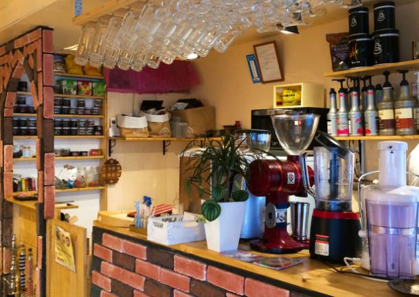 東十条 ハンモックチェア カフェ