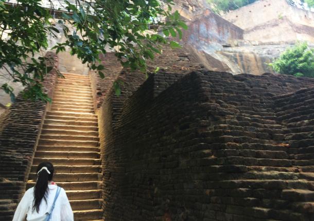 シーギリヤロックの階段