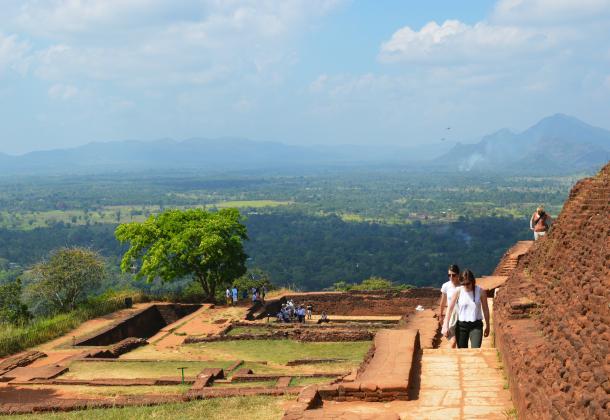 シーギリヤロックの頂上には宮殿の跡が残っている