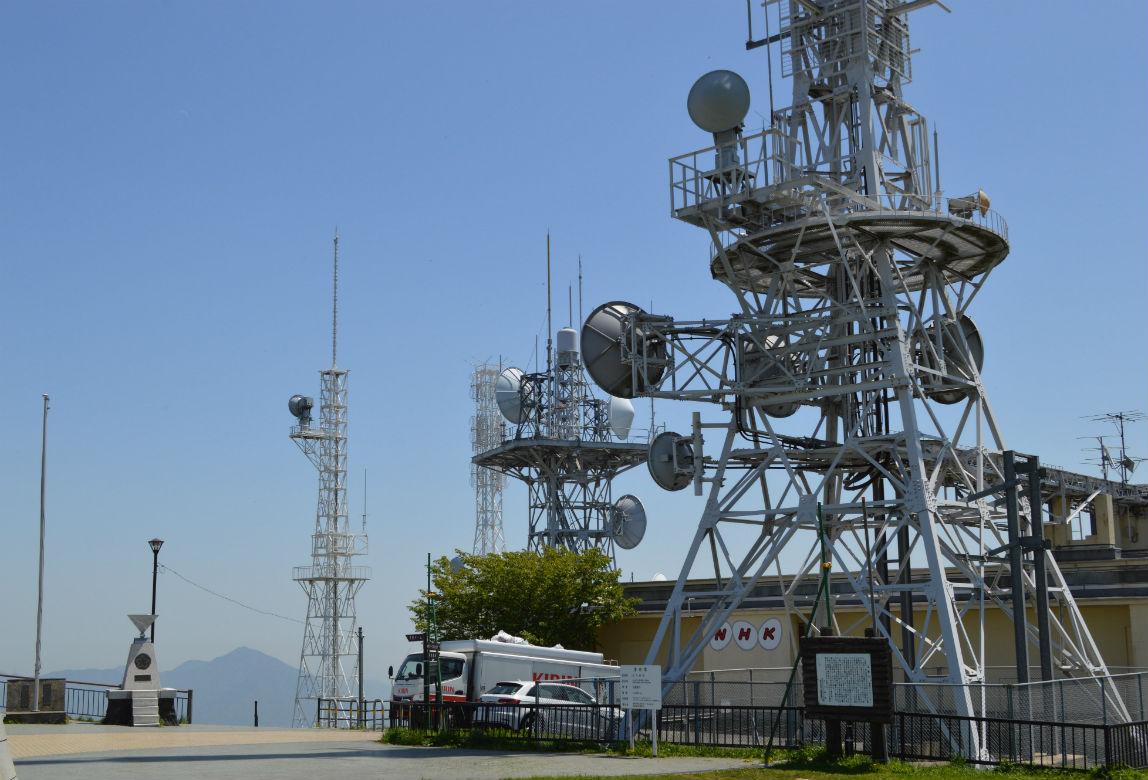 皿倉山にあるNHKの電波塔