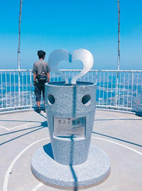福岡北九州にある恋人の聖地「恋人のドーム」のモニュメント