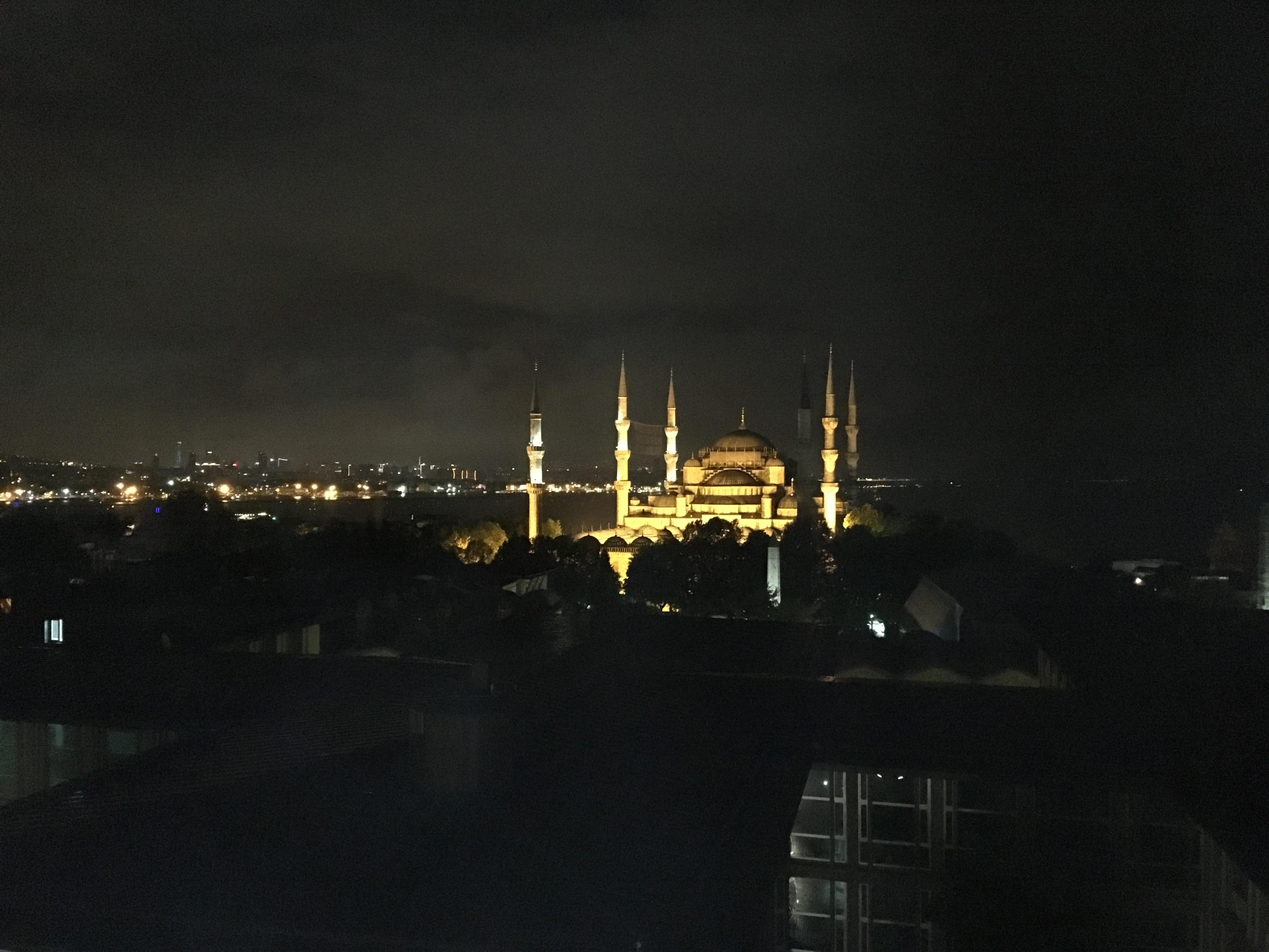 アルカディアブルーホテルから見えるブルーモスク