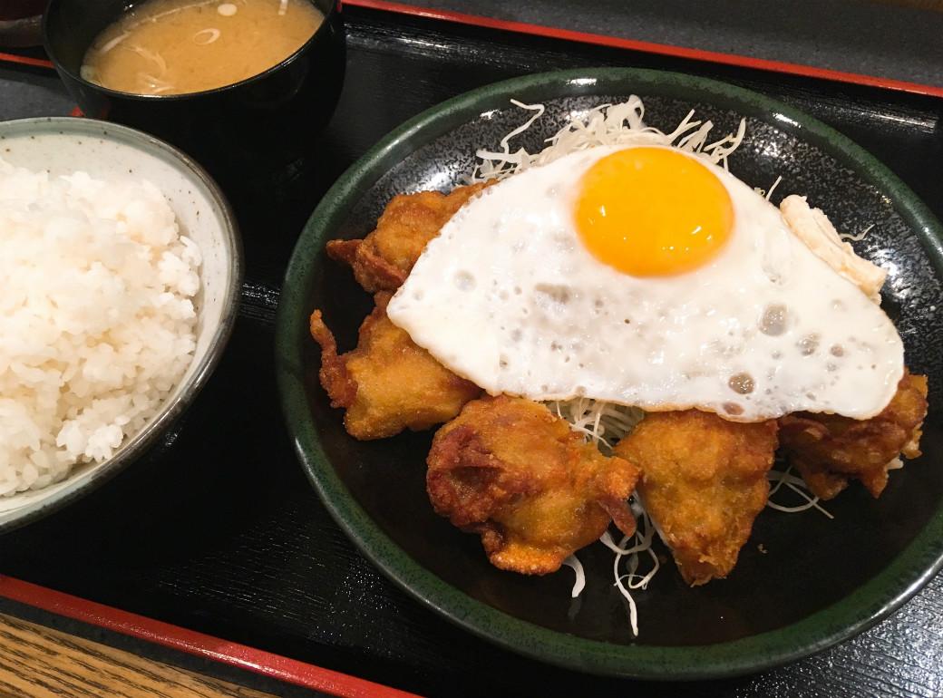 私のおすすめは唐揚げ定食530円