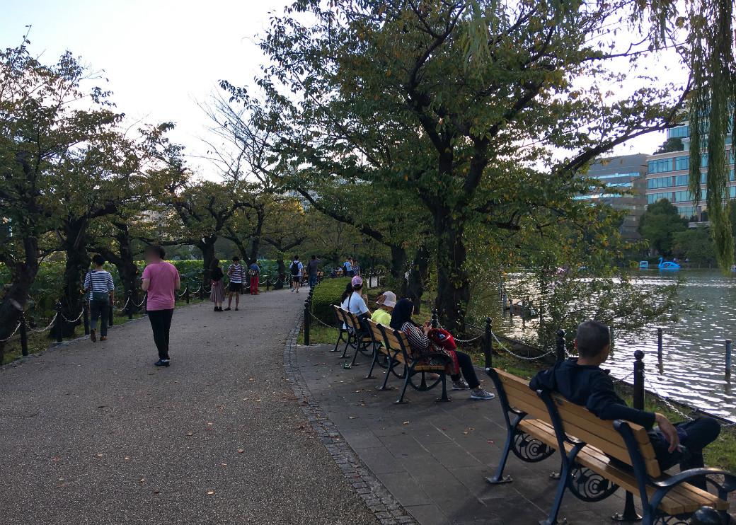 上野恩賜公園不忍池のまわりを歩く
