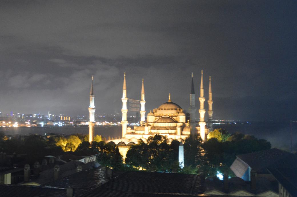 イスタンブールおすすめホテル、部屋からブルーモスクが見えるホテル