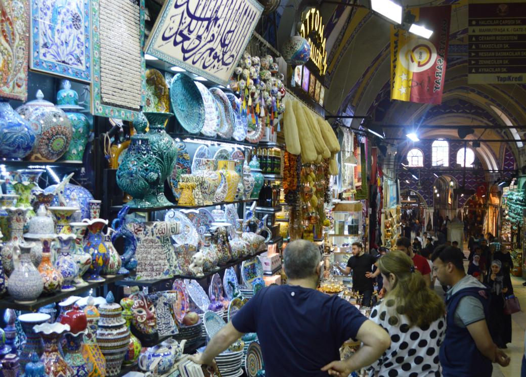イスタンブールのグランドバザールを観光