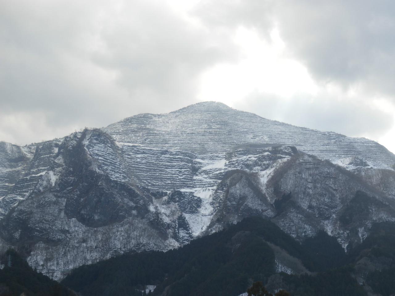 52席の至福から見える武甲山