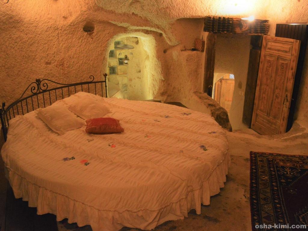 カッパドキアにあるミスラケーブホテルの「フェアリーチムニースイート」室内