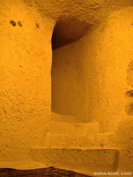 洞窟ホテルの階段
