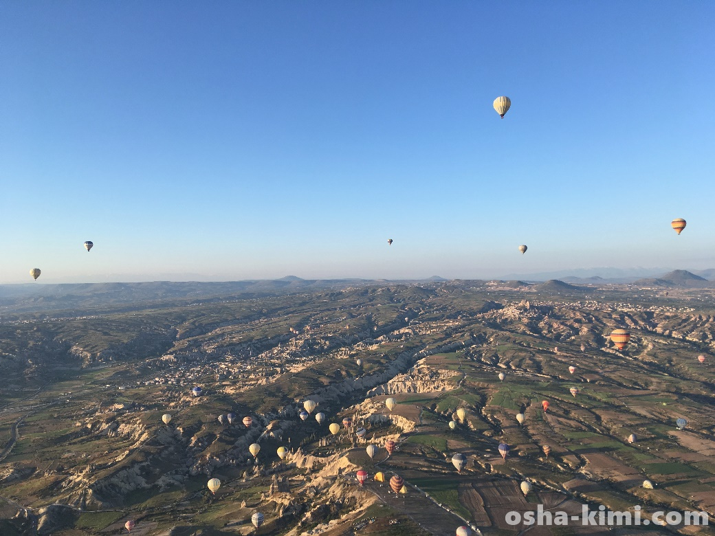 他の気球はどんどん地上に降りている